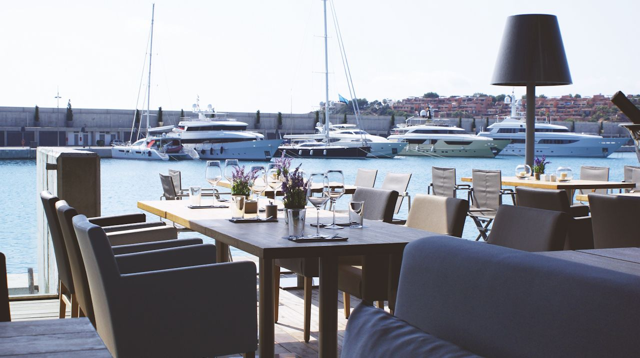 Harbour-Grill-Port-Adriano-1